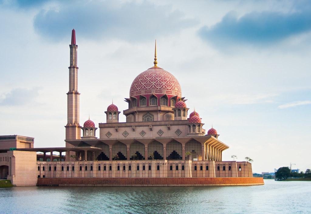 Pink Mosque 3425833360_cb62a40513_b