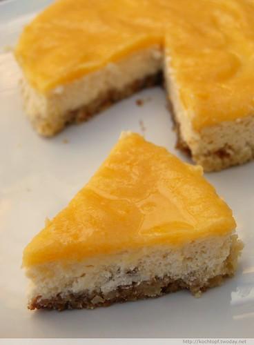 Lemon Curd And Strawberry Cake