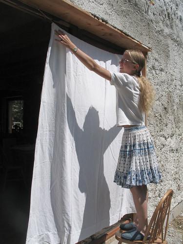 pose d 39 un rideau ext rieur savoie christian neum ller flickr. Black Bedroom Furniture Sets. Home Design Ideas