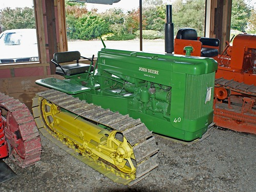 Old Antique Jd Crawlers : John deere crawler seen at the waimea vintage