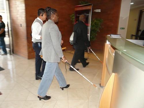 P1040827 Congresistas Con Discapacidad Fisica Ingresan