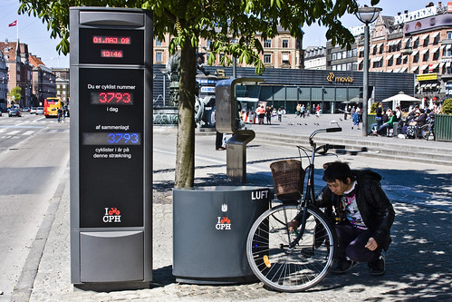 Bicycle Counter With Air | by Mikael Colville-Andersen