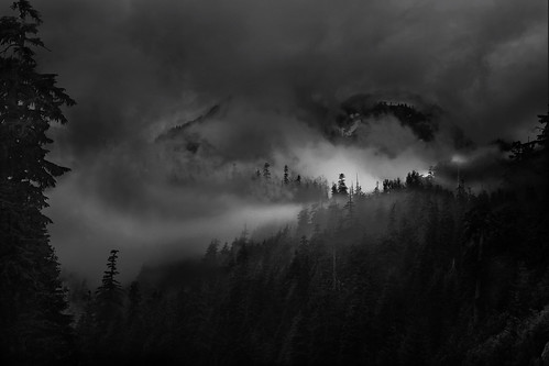 mountain fog | by ifdefelseif (gone for a little while)