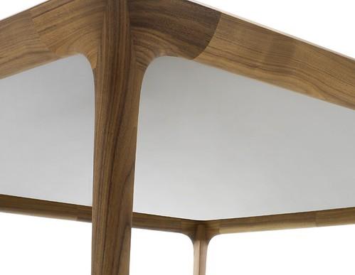 Table de salle manger obi ceccotti arcasa mobilier des for Mobilier salle a manger