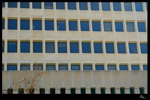 Edificio de la banca march av alexandre rossell palm for Oficinas banca march palma