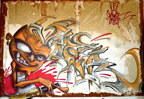 By DELY et VAPER (AKV) | by Thias (°-°)