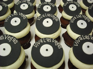 record cupcakes | by Retro Bakery in Las Vegas