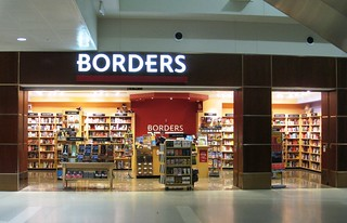 Borders bookstore Detroit Airport | by brewbooks