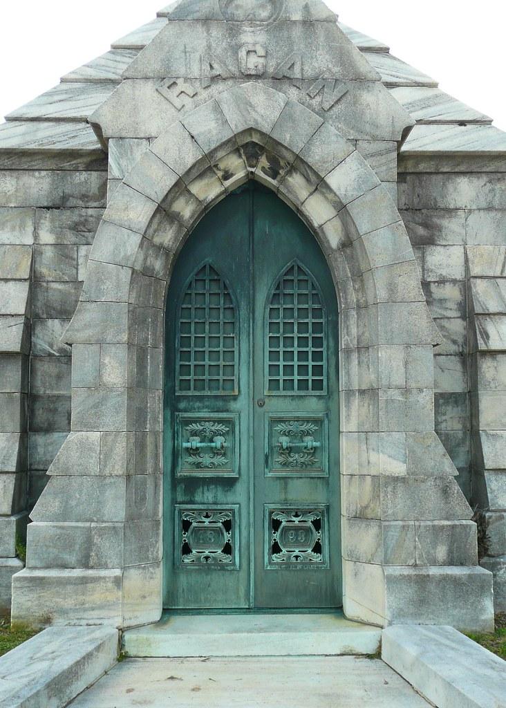 ... GA Oakland Cemetery Ragan Mausoleum doors | by army.arch & Atlanta GA Oakland Cemetery Ragan Mausoleum doors | Flickr Pezcame.Com