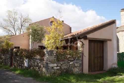 Casa tradicional de pueblo fachada casa tradicional de - Fachadas de casas de pueblo ...
