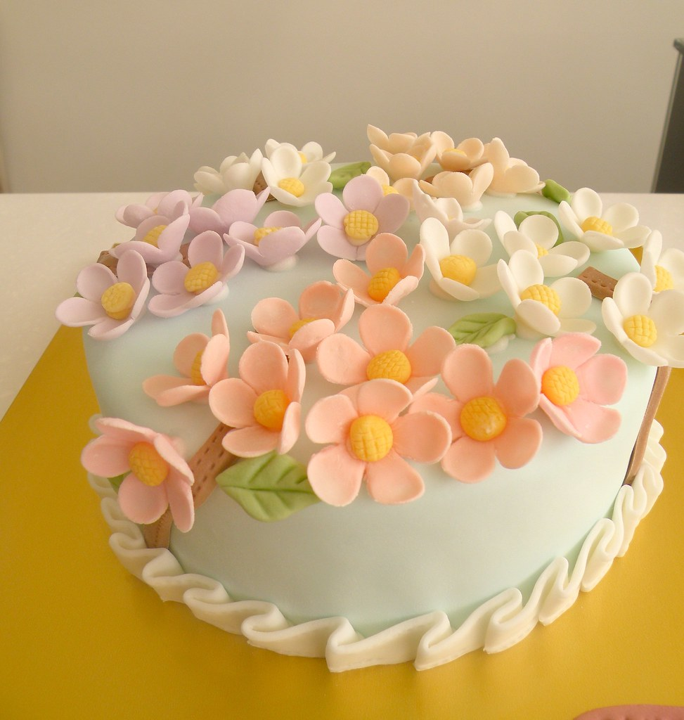 Bcg Moms Birthday Cake Flowers Kim Hyeyoung Flickr