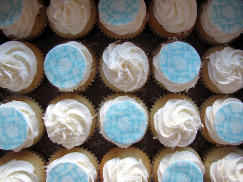 baby blue damask pattern cupcakes