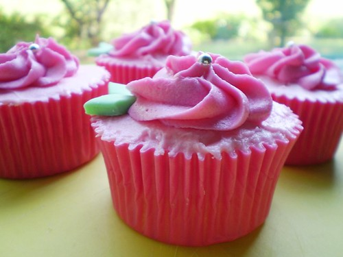 Pink Rose Cupcakes | by Baked by Michelle