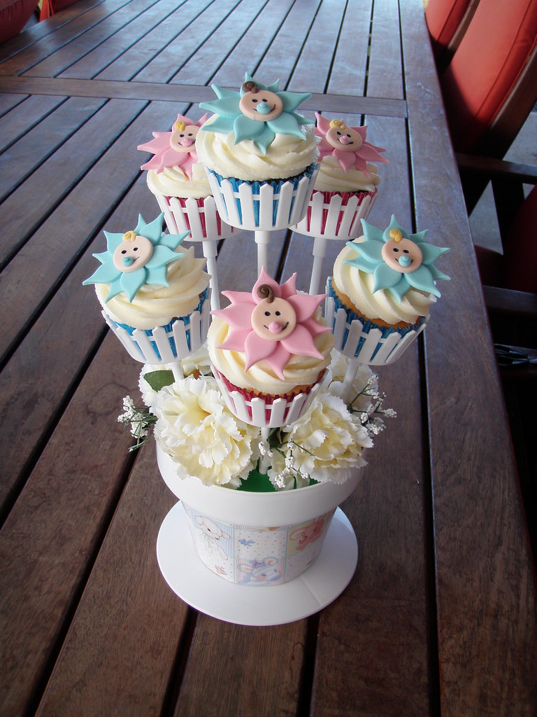 Mossys masterpiece flower baby cupcake bouquets fabulous flickr mossys masterpiece flower baby cupcake bouquets by mossys masterpiece cakecupcake designs izmirmasajfo