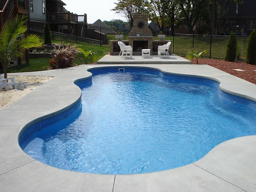 Caribbean 25a viking pools free form clearwater fibe for Pool design louisville ky