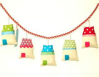 Garland of Five Happy Houses | by Holland Fabric House