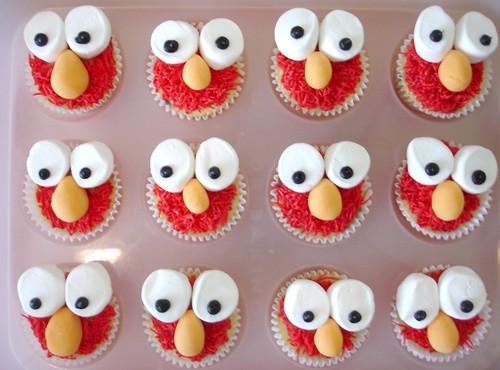 Elmo Cupcakes ready to go | by SweetHappyPie