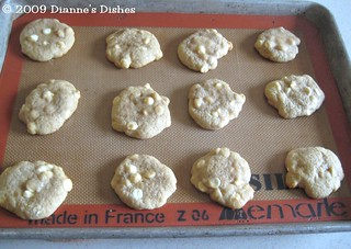 White Chocolate Drizzle Cookies: Cookies | by Dianne's Dishes