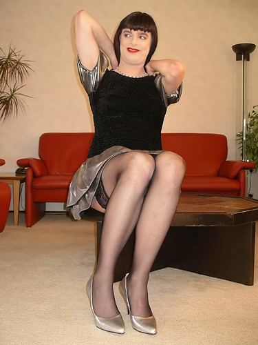 Pantyhose Moms - Exclusive galleries of a hot moms in pantyhose.