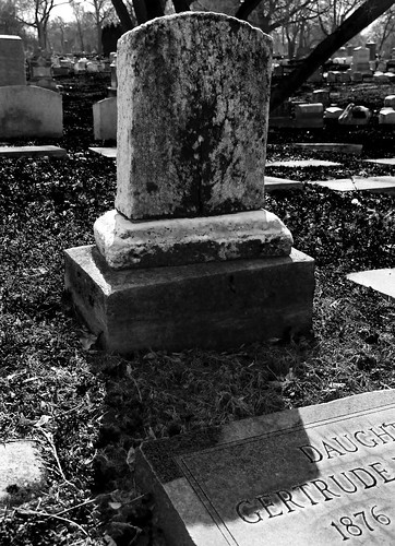 b&w tombstone | by griffiti photography