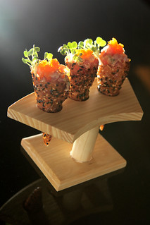 Wolfgang puck dallas spicy tuna tartare sesame miso for Canape hors d oeuvres difference