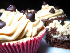 Chocolate Mud Cupcakes with Peanut Butter | by Ken's Oven