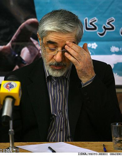 Mir Hossein Mousavi among people, Golestan