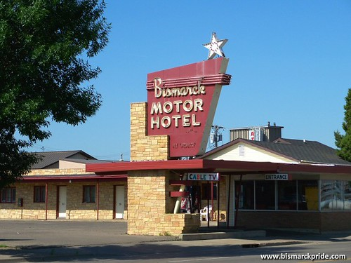 Bismarck motor hotel vintage 1950s sign bismarck north for Bismarck motor company bismarck nd