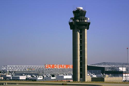 fly delta jets atlanta hartsfield international a