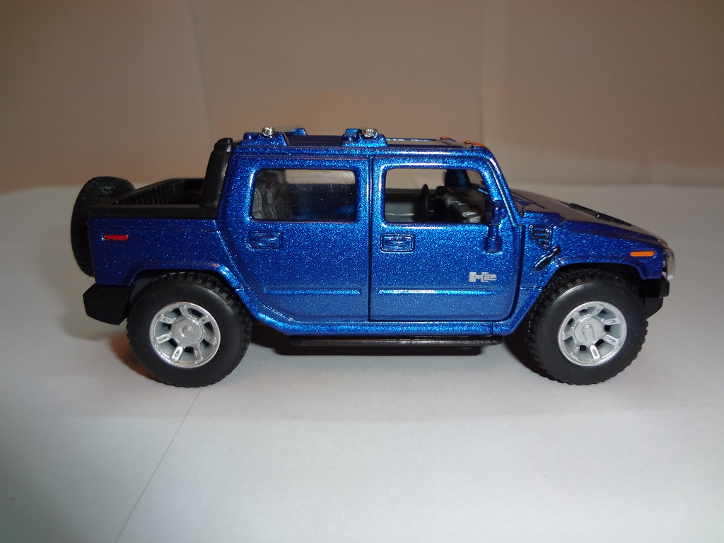 2005 blue hummer h2 sut side overview kinsmart flickr