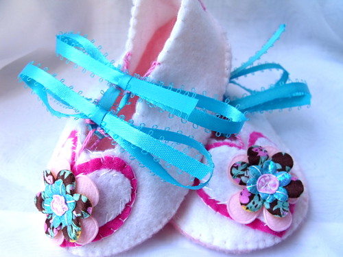 flower heart baby booties | by Beyond.the.Box