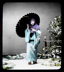 GIRL WITH UMBRELLA in SNOW | by Okinawa Soba (Rob)