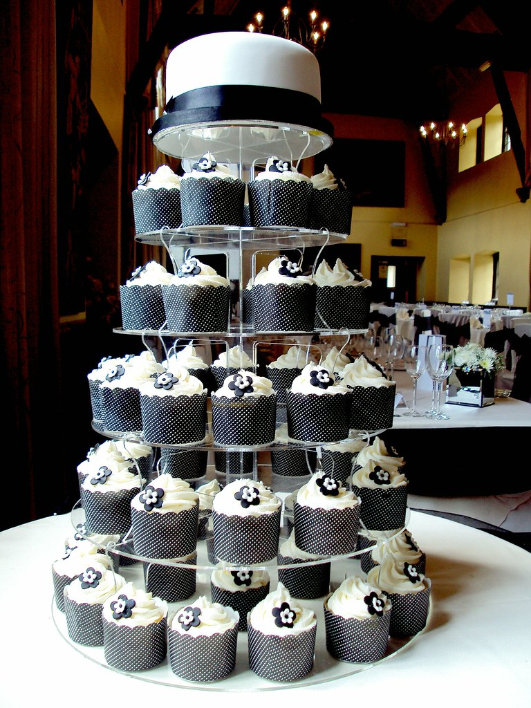 Black & White Wedding Cupcakes | Heavenly Cupcakes | Flickr