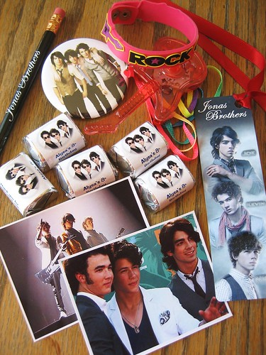 jonas brothers party favors