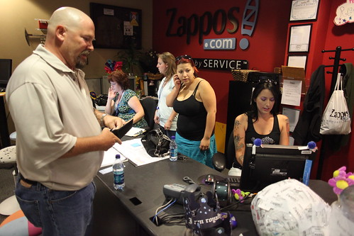 A warm greeting in Zappos headquarters | by Robert Scoble