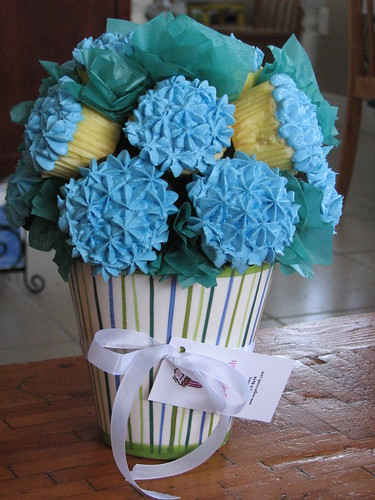Hydrangea cupcake bouquet vanilla cupcakes with