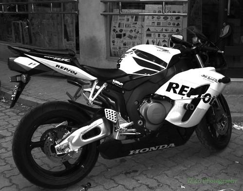 Honda New Bike >> Honda CBR 1000RR Black & WhitE | This is super bike is kool.… | Flickr