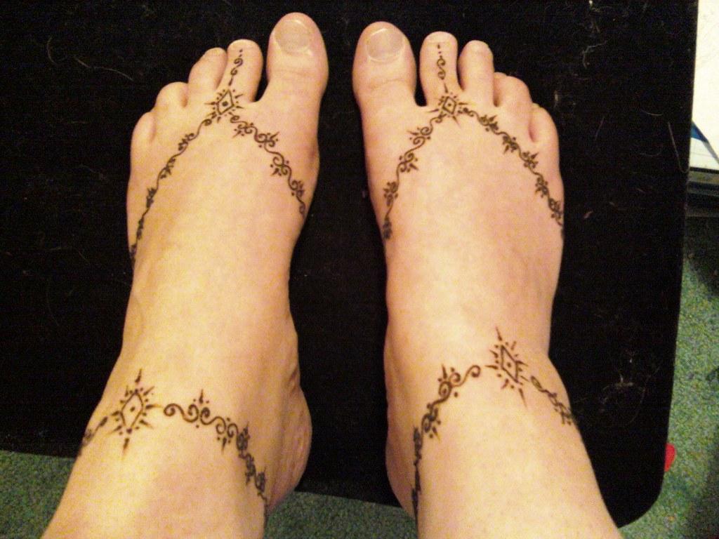 Mehndi Ankle Images : 7 mehndi designs which look like real footwear barefoot