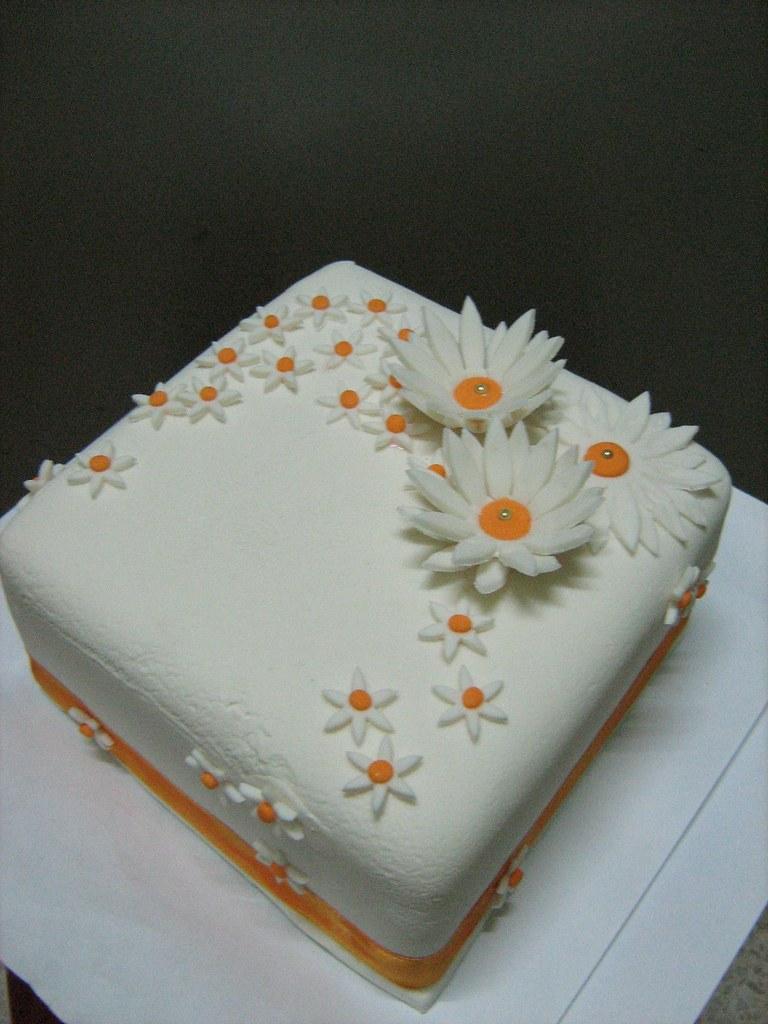 Sugar Daisy Flower Fondant Cake 016 Fondant Daisy Cut Ou Flickr