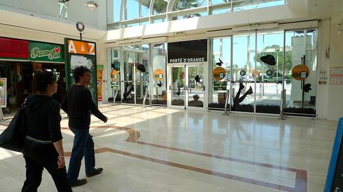 porte d 39 orange galerie marchande auchan le pontet fr84 flickr. Black Bedroom Furniture Sets. Home Design Ideas