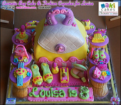 Cosmetic Bag Cake & Fashion Cupcakes for Louisa___ - Maki Cakes | by *Yulia*
