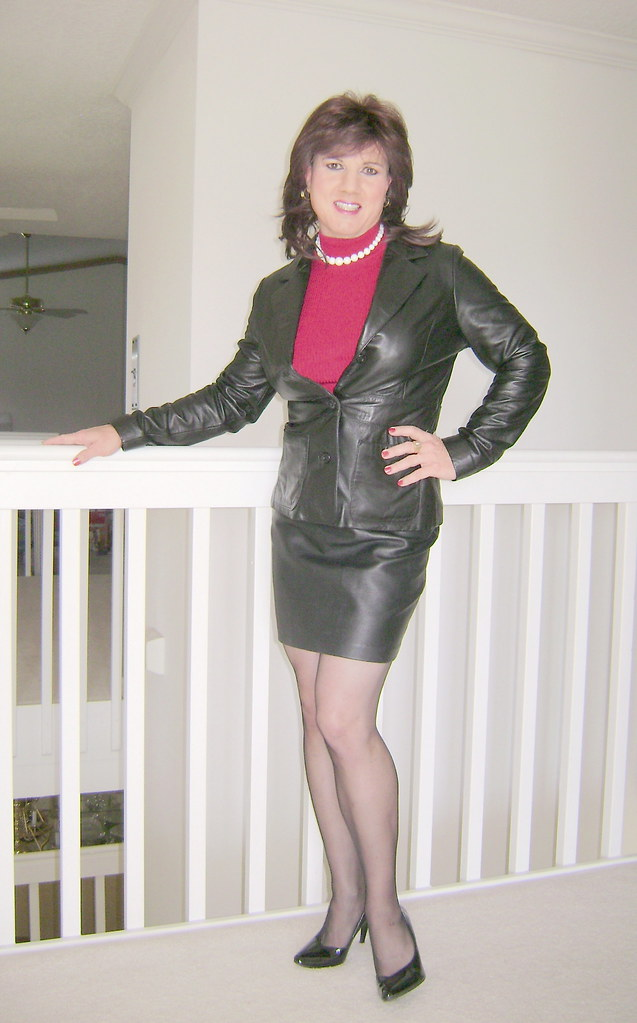 Black leather skirt and leather jacket | Jackie Darling | Flickr