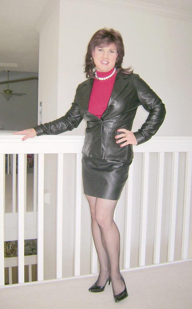 Black leather skirt and leather jacket | Jackie Darling | Flickr