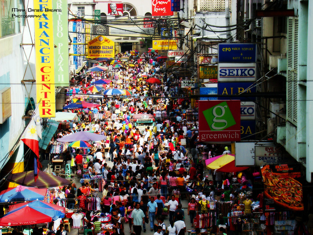 Friday Is Quaipo Day Carriedo St Next To Quiapo Church I Flickr