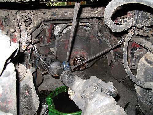 how to change rear differential seal