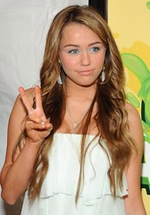 Miley Cyrus at the 2009 Kids Choice Awards | by teammiley