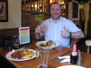 Jamie Approves of His Pub Lunch | by katbaro