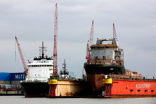 "AHT ""ORCUS"" and ""URANUS"" under construction at Mützelfeldtwerft-Cuxhaven 