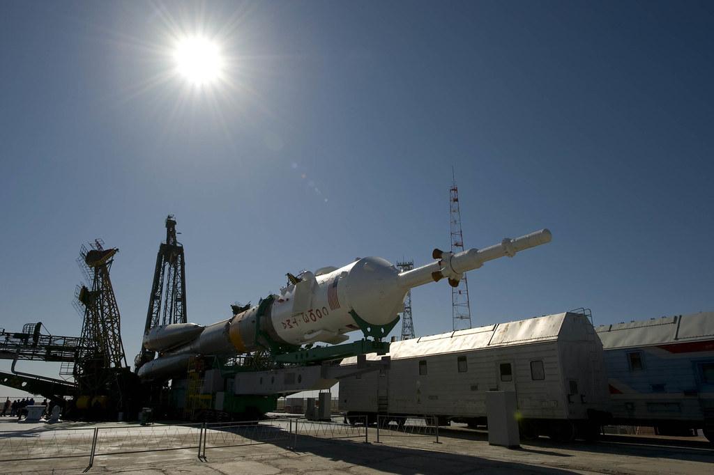 Soyuz launcher arrives at launchpad   A Soyuz launcher on it