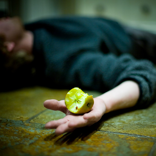 Dying for an apple - Day 187 of Project 365 | by purplemattfish